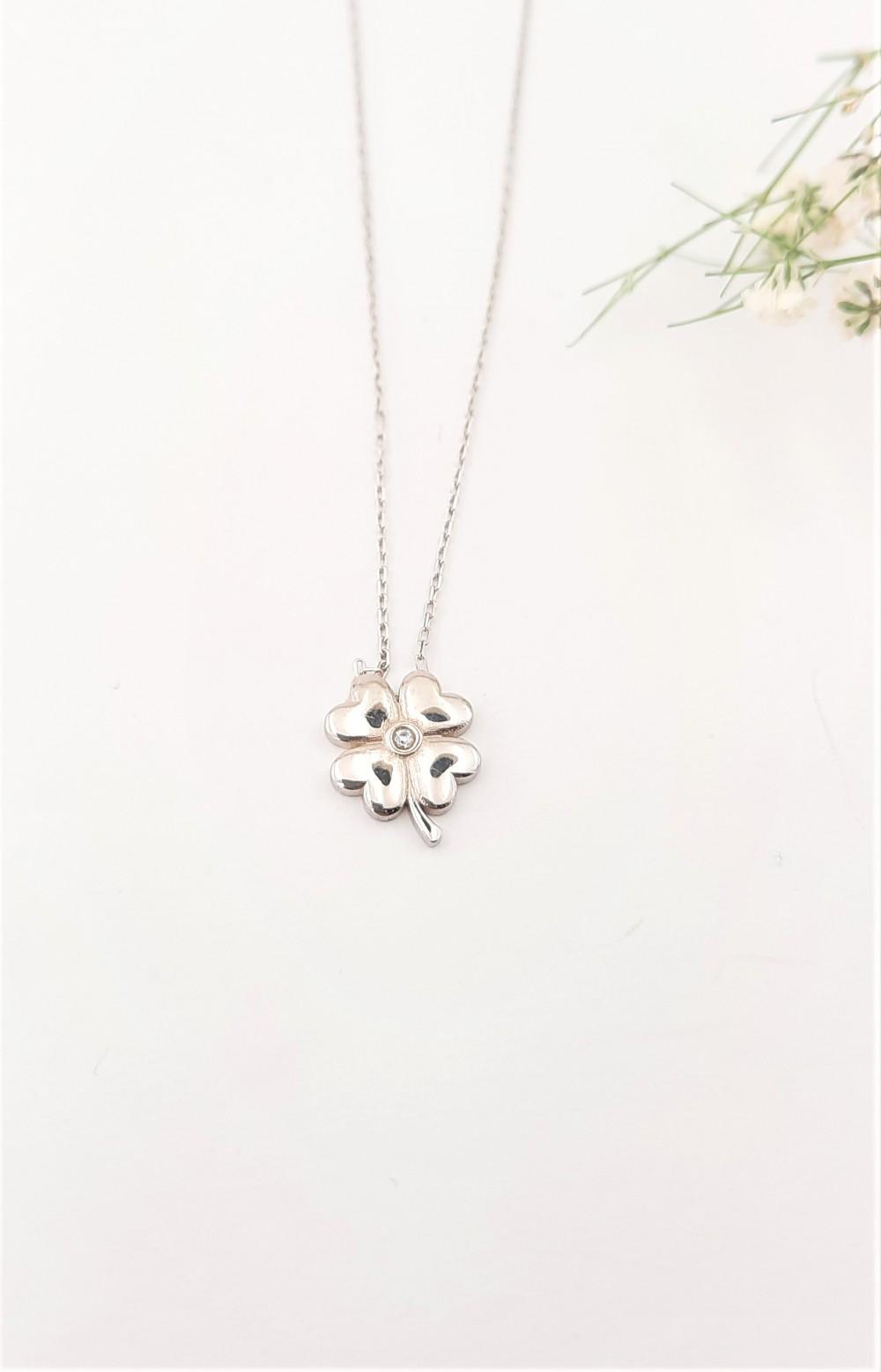 Minik Yonca Figürlü Gümüş Kolye