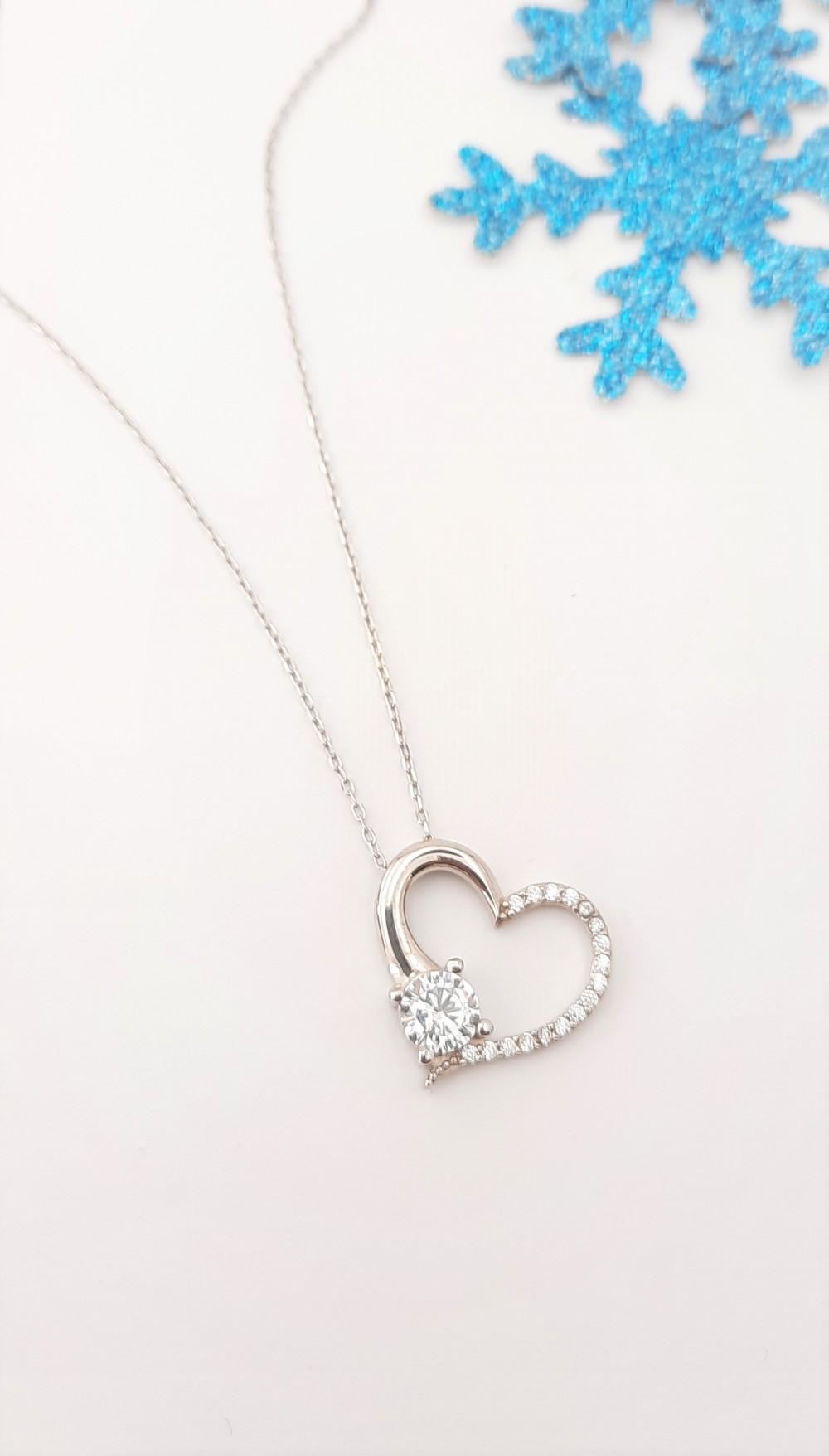 Tektaşlı Kalp Gümüş Kolye