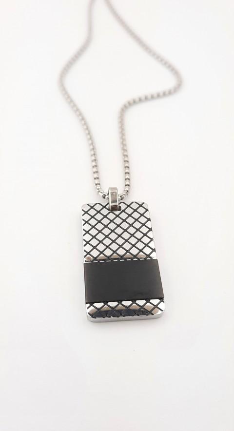 Kare Desenli Siyah Şerit Uçlu Çelik Zincir Kolye