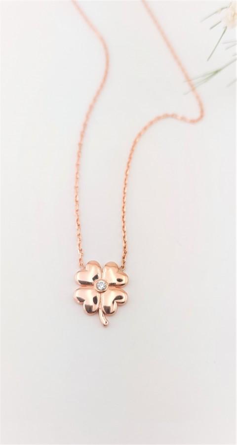 Minik Yonca Figürlü Rosegold Gümüş Kolye