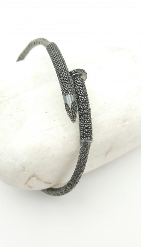 Siyah Taşlı Çivi Tasarım Hasır Örgü Gümüş Bileklik